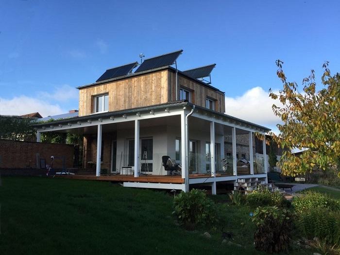 Vordach-aus-Holz